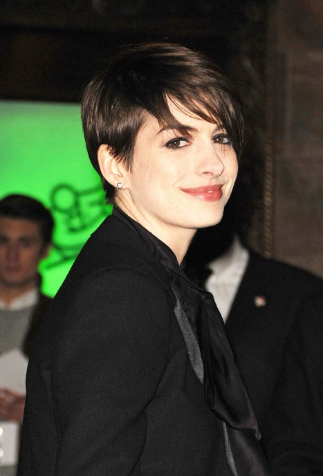 Anne Hathaway 2014 Pixie Cut Hairstyle