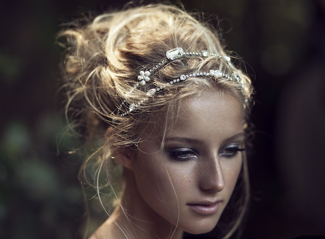Bridal headband by Olivia | see more on: http://burnettsboards.com/2015/03/olivias-label-wolf/