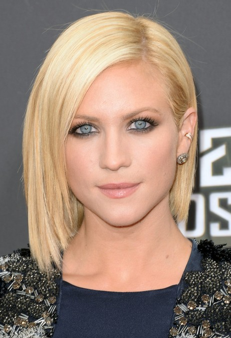 Brittany Snow Short Bob Hairstyle - Platinum-Blonde Hair with Dark Roots