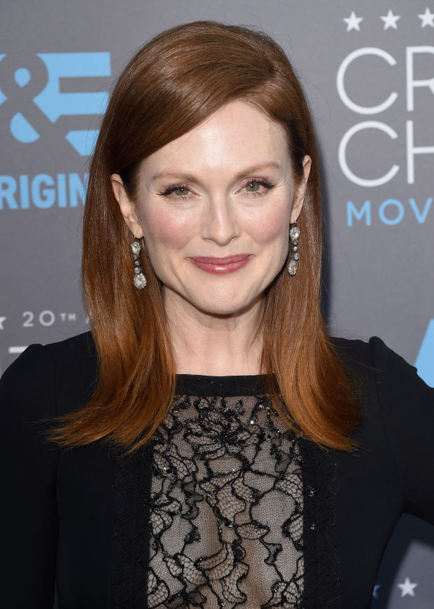 Julianne Moore at the 2015 Critics' Choice Awards.