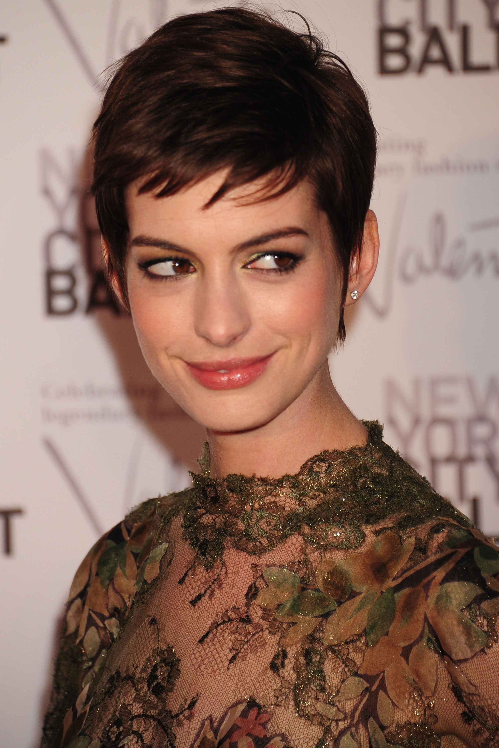Anne Hathaway Very Short Hairstyle