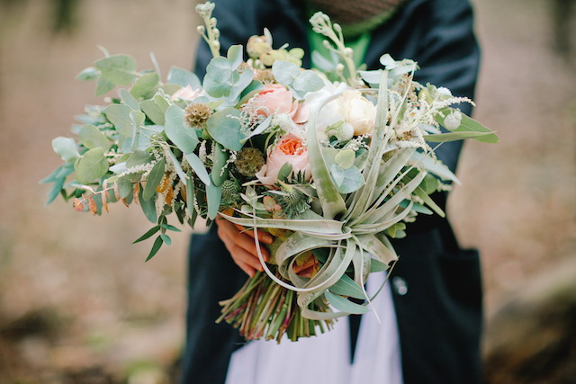 Air plant bouquet | Irinia Kilmova Photography | see more on: http://burnettsboards.com/2015/03/winter-forest-wedding/