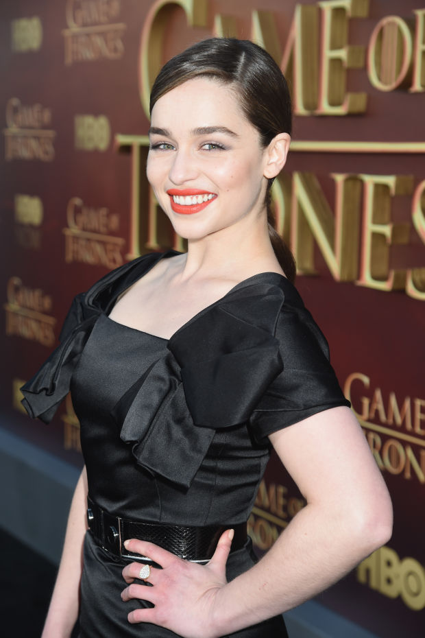 Emilia Clarke nailed her beauty look here.
