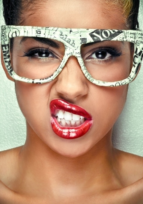 girls-with-glasses-makeup-rock