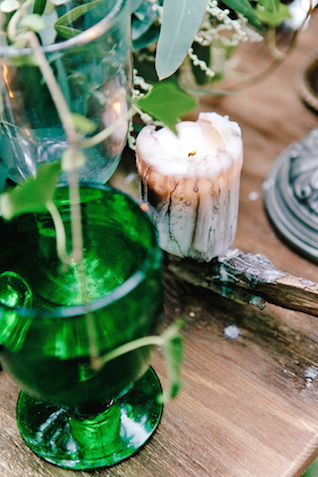 Dripping candle | Irinia Kilmova Photography | see more on: http://burnettsboards.com/2015/03/winter-forest-wedding/