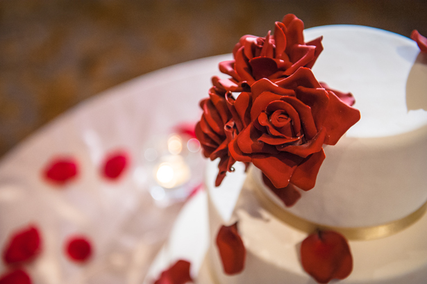 Red Roses and Ivory Wedding Cake