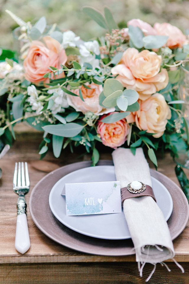 Wedding place setting | Irinia Kilmova Photography | see more on: http://burnettsboards.com/2015/03/winter-forest-wedding/