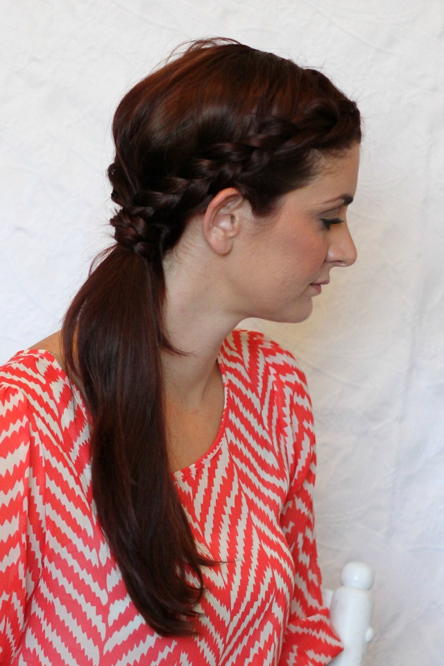 Simple summer hairstyles dutch side braided ponytail