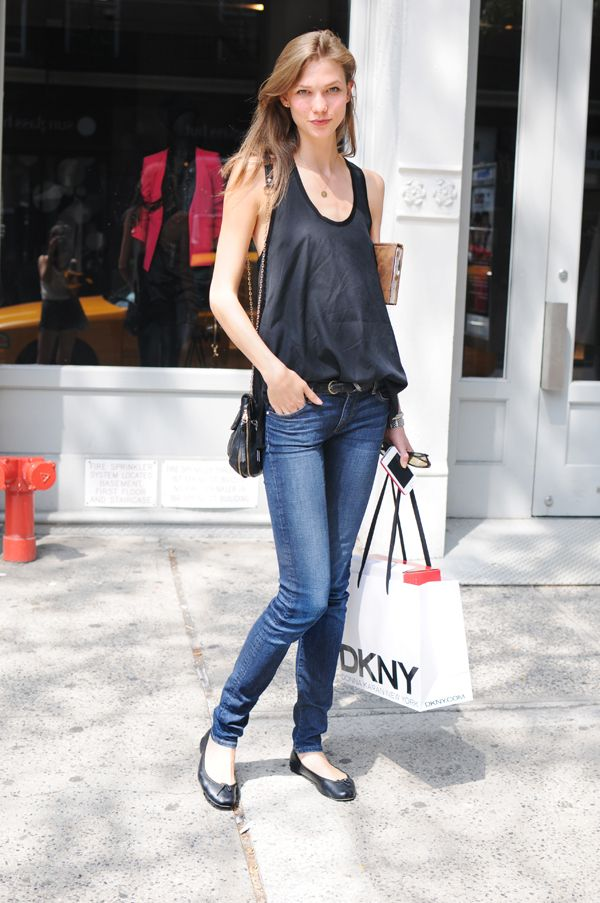 shopping outfit The Best Street Style Outfits from Karlie Kloss