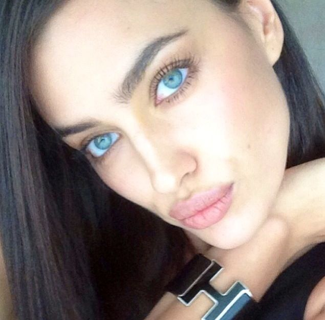 beauty-trend-2014-thick-eyebrows