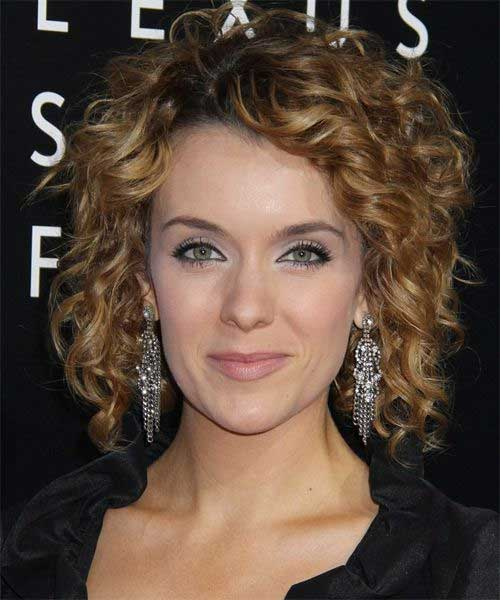 Perfect Curly Bob Hairstyle