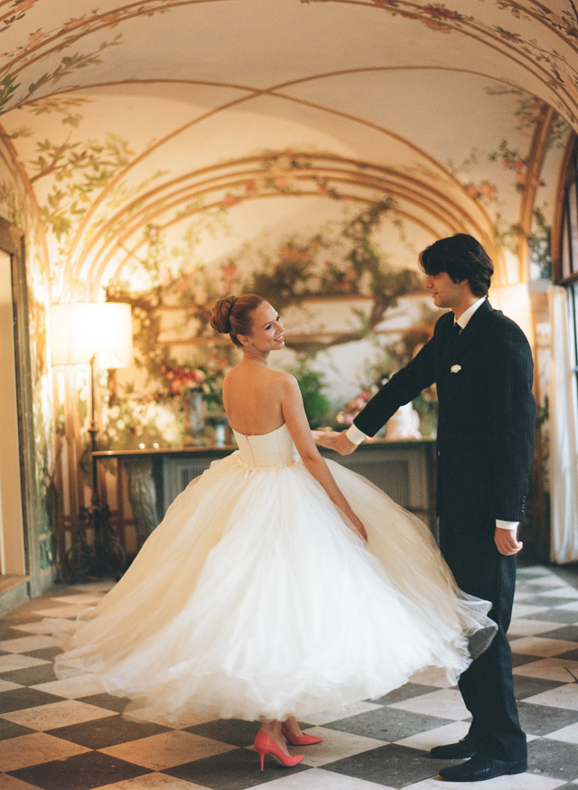 First dance | Rochelle Cheever Photography | see more on: http://burnettsboards.com/2015/03/floral-inspired-roman-villa-wedding/