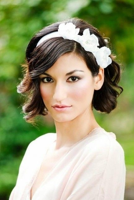 Bridesmaid Hairstyles for Short Hair: Short Wavy Curly Wedding Hairstyles