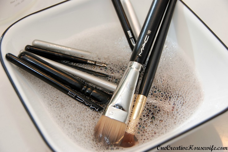 clean-make-up-brushes