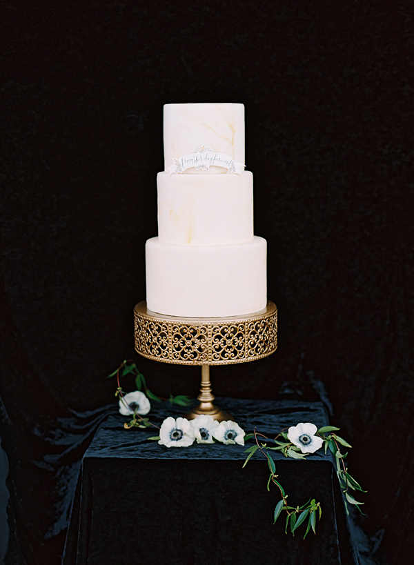 classic wedding cake - photo by Adam Barnes http://ruffledblog.com/organic-greenhouse-wedding-inspiration