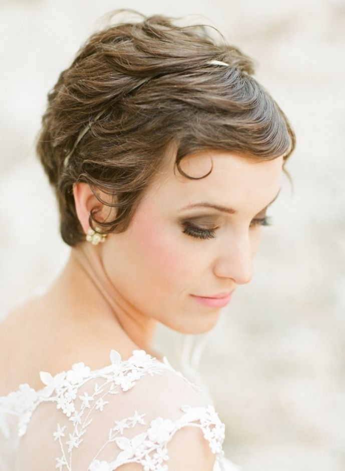 Pretty Short Bridal Hairdo with Bangs - Pixie Hair Style