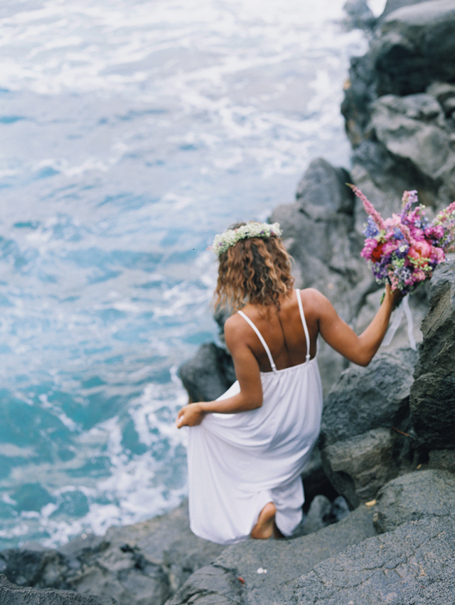Maui wedding | Wendy Laurel | see more on: http://burnettsboards.com/2015/03/colorful-maui-bridal-inspiration/