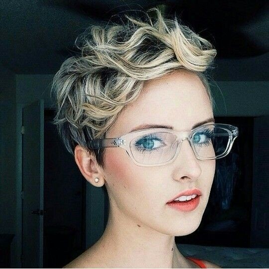Trendy Short Curly Hairstyle - Casual Pixie Haircuts