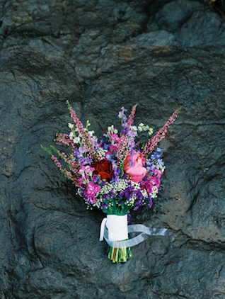Pink and purple bridal bouquet | Wendy Laurel | see more on: http://burnettsboards.com/2015/03/colorful-maui-bridal-inspiration/