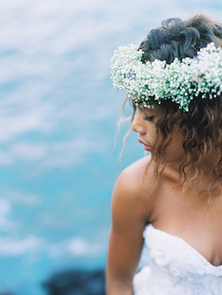 Baby's breath flower crown | Wendy Laurel | see more on: http://burnettsboards.com/2015/03/colorful-maui-bridal-inspiration/