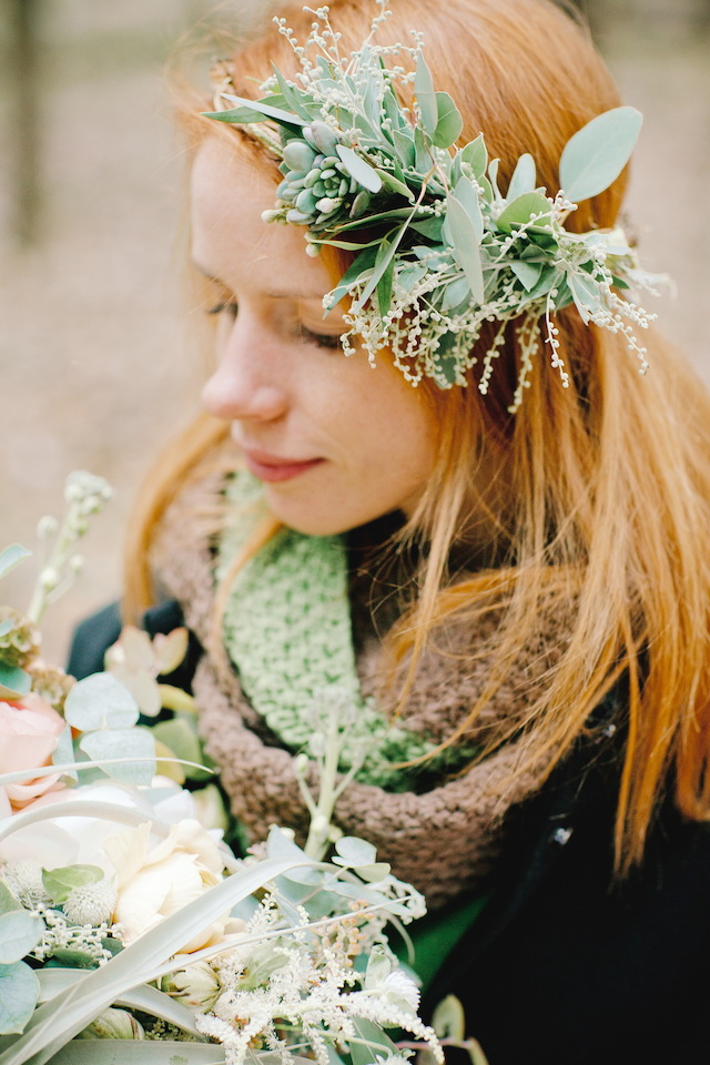 Succulent flower crown | Irinia Kilmova Photography | see more on: http://burnettsboards.com/2015/03/winter-forest-wedding/