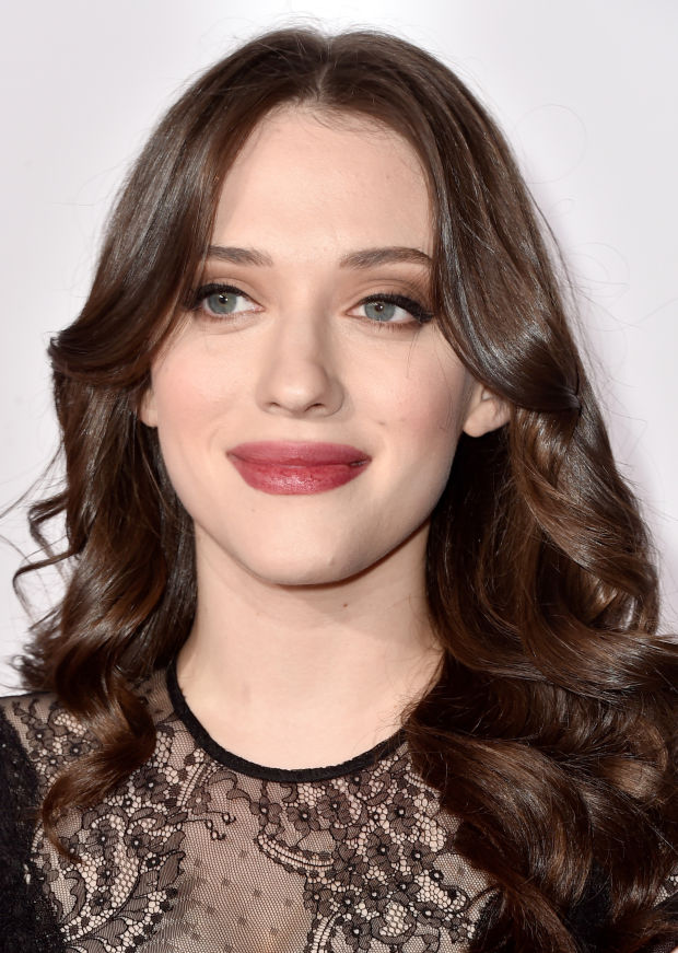 Kat Dennings at the 2015 People's Choice Awards.