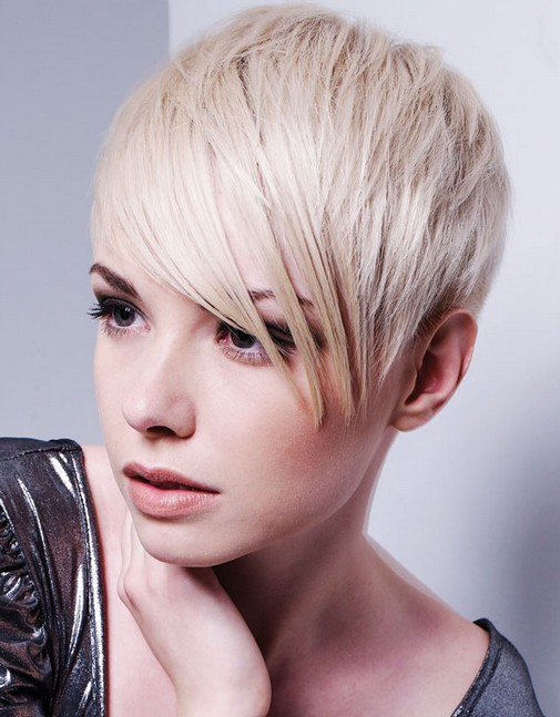 Stylish Short Blond Hair with Layers