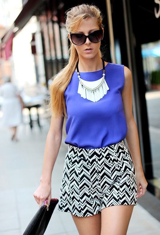 outfits to wear with statement necklace (6)