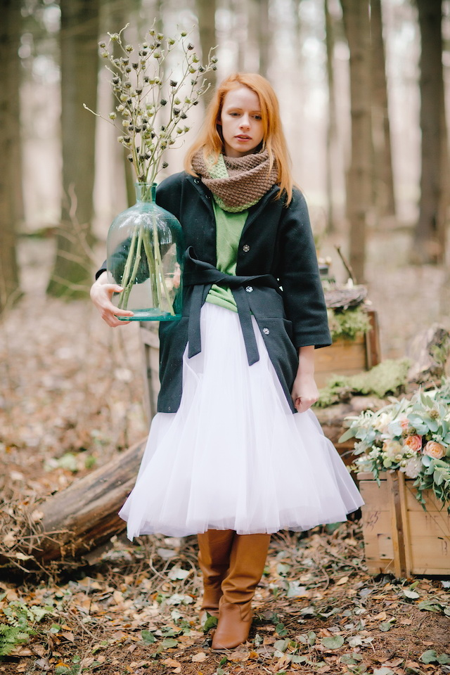 Rustic forest bride | Irinia Kilmova Photography | see more on: http://burnettsboards.com/2015/03/winter-forest-wedding/