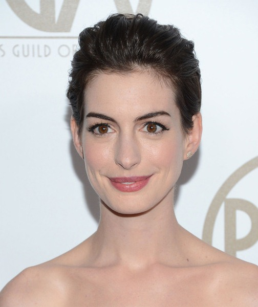 Soft and Swept Anne Hathaway Pixie Cut Hairstyles
