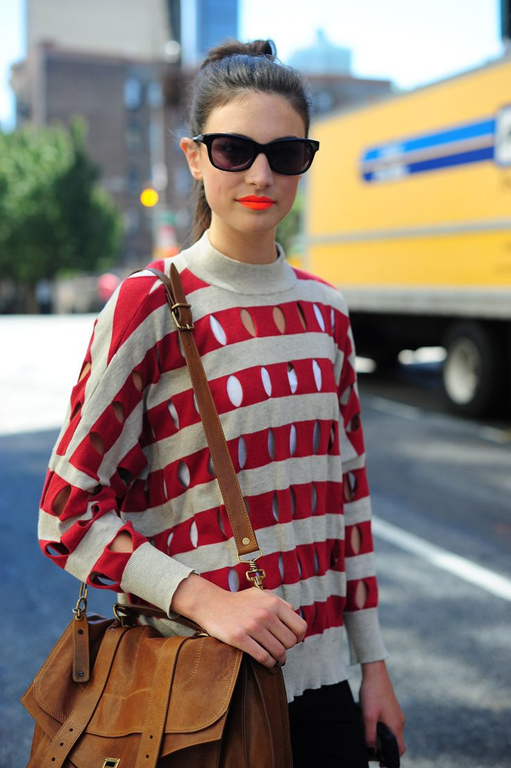 orange-lips-street-style