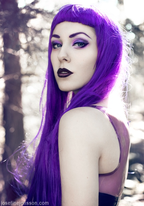 Dark purple ombre lips