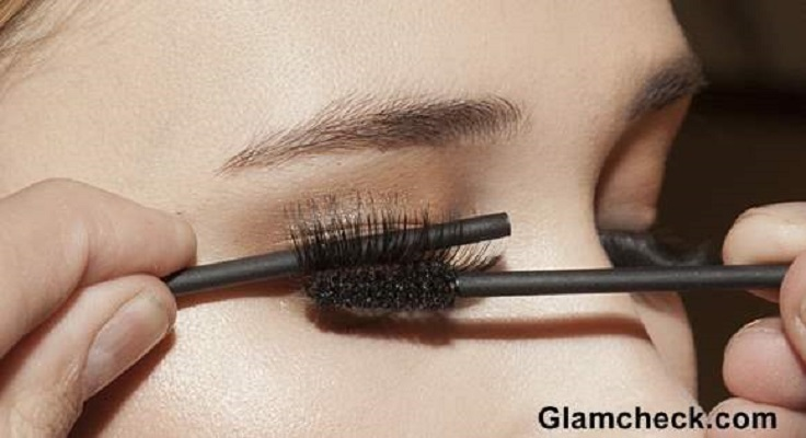 mascara-on-top-of-falce-lashes