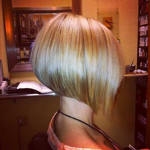 Cute Blondie Bob Haircut