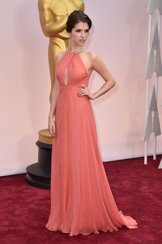 anna kendrick wearing thakoon Best Dressed Celebs at the Oscars (2015)
