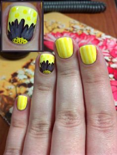 Yellow Daisy Nail Design