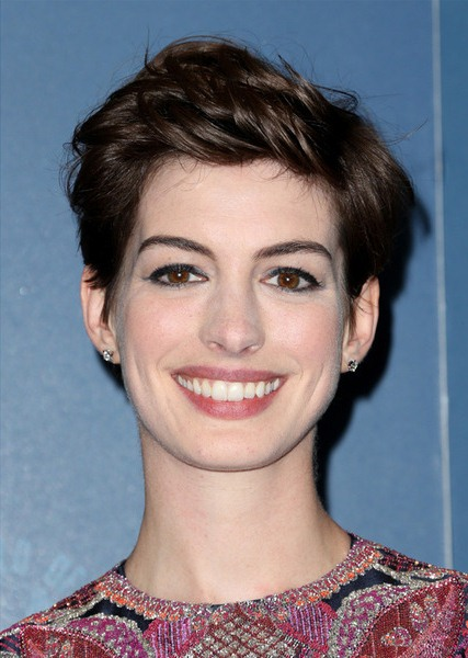 Anne Hathaway Messy Pixie Cut Hairstyles