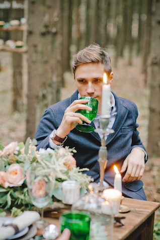 Forest wedding reception | Irinia Kilmova Photography | see more on: http://burnettsboards.com/2015/03/winter-forest-wedding/