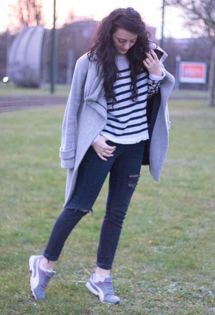 cute outfits to wear with sneakers (1)