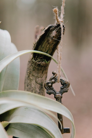 Vintage key | Irinia Kilmova Photography | see more on: http://burnettsboards.com/2015/03/winter-forest-wedding/