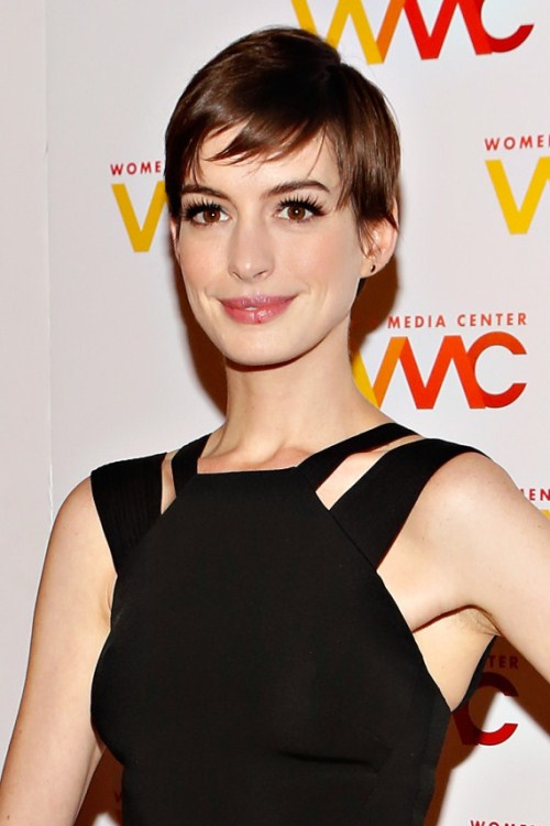 Anne Hathaway Pixie Cut Hairstyle Golden Globes