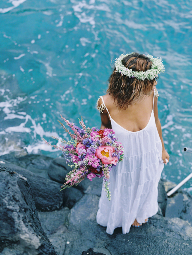 Maui bridal portraits | Wendy Laurel | see more on: http://burnettsboards.com/2015/03/colorful-maui-bridal-inspiration/