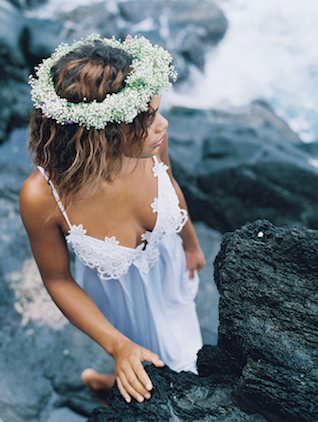 Maui bridal ideas | Wendy Laurel | see more on: http://burnettsboards.com/2015/03/colorful-maui-bridal-inspiration/