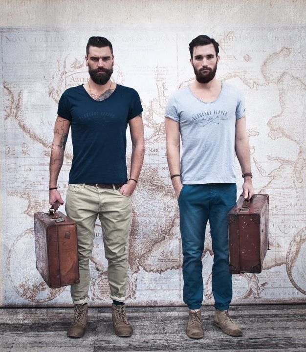 summer travel outfits for men (2)