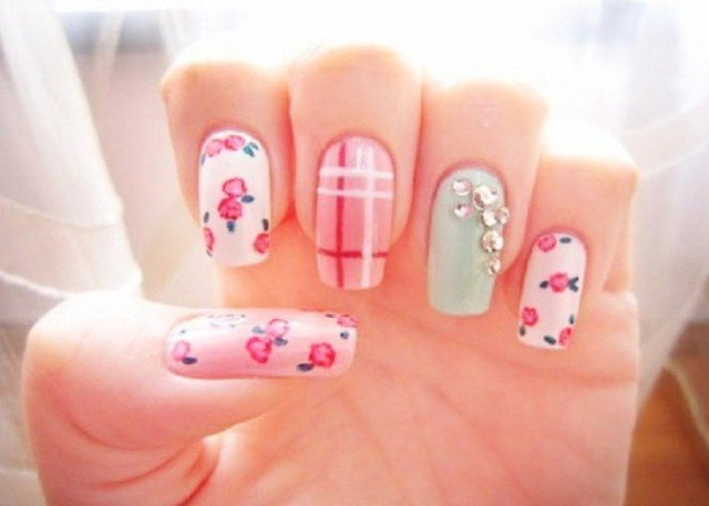 Easy-Fun-Spring-Nail-Designs