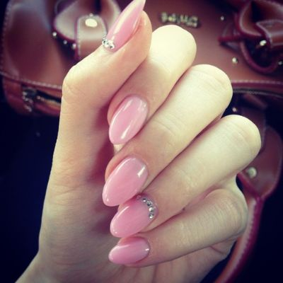 pink-nails-for-winter-16