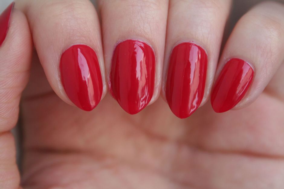 Misslyn Nail Polish in Red Carpet 180.