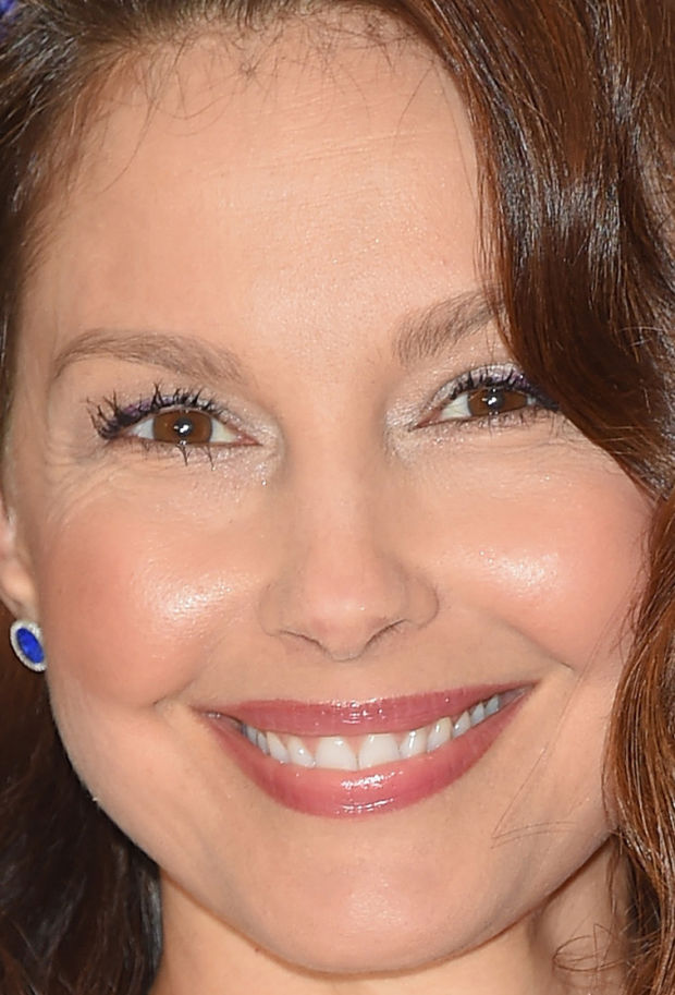 Close-up of Ashley Judd at the 2015 White House Correspondents' Dinner.