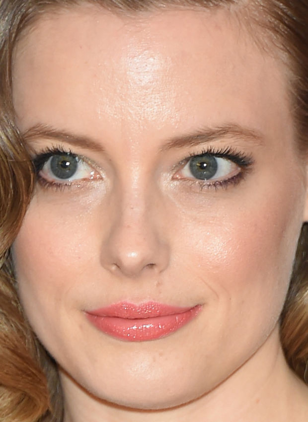 Close-up of Gillian Jacobs at the 2015 White House Correspondents' Dinner.