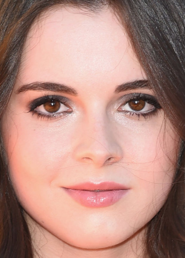 Close-up of Vanessa Marano at the 2015 Kids' Choice Awards.